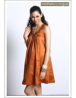 """Платье Mothers en Vogue """"Ara Embroidered"""", цвет золотой"""